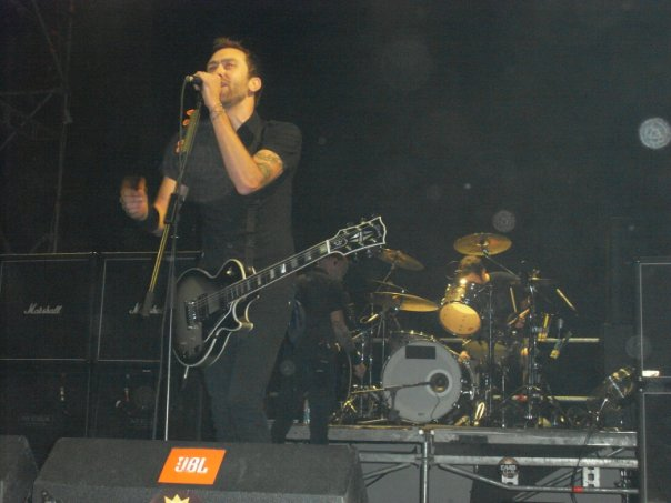 fotosession-gruppa-RiseAgainst-live-in-st-petersburg-Give-it-all-2009