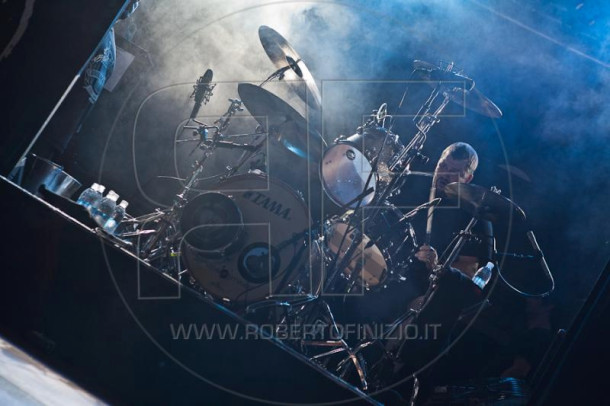 photoset-Brandon-Barnes-drums-Rise-Against-behind-scene-Collapse-2012