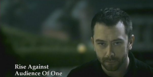 photos-Tim-McIlrath-vocal-RiseAgainst-behind-scene-Savior-1999