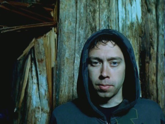 photosession-Tim-McIlrath-vocalist-RiseAgainst-home-photos-Savior-2012