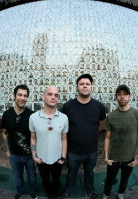 photosession-punk-band-Rise-Against-out-scene-2010