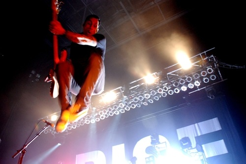 photoset-Tim-McIlrath-hard-core-RiseAgainst-koncert-Wait-for-Me-2011