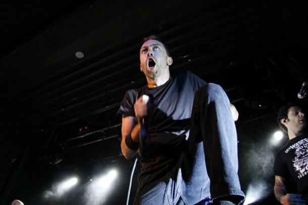 photograph-Joe-Principe-punk-group-Rise-Against-Endgame-on-stage-2005