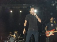 foto-live-group-RiseAgainst-live-in-st-petersburg-Make-It-Stop-2009