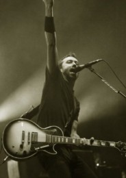 photo-gruppa-RiseAgainst-live-in-moscow-Re-Education-2009