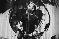 foto-live-Tim-McIlrath-vocal-Rise-Against-behind-scene-Collapse-2007