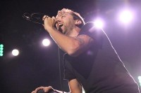 photograph-Tim-McIlrath-frontman-Rise-Against-with-fans-Savior-2003