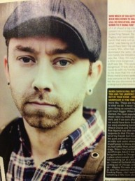 photosession-Tim-McIlrath-frontman-RiseAgainst-with-fans-Endgame-2001