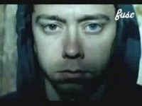 photosession-Tim-McIlrath-leader-Rise-Against-with-fans-Savior-2000