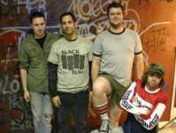 foto-punk-group-Rise-Against-private-foto-2008