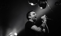 photoset-Tim-McIlrath-hard-core-RiseAgainst-concert-Make-It-Stop-2011