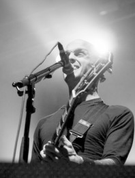 fotos-live-Mr-Precision-punk-band-Rise-against-Endgame-festival-2010