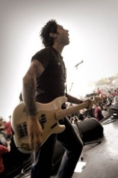 photoset-Joe-Principe-punk-group-Rise-Against-Endgame-rock-scene-2010