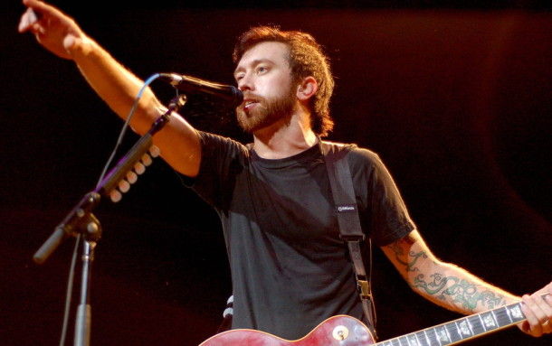 photo-Tim-McIlrath-vocal-Rise-Against-private-foto-Hero-of-War-2011